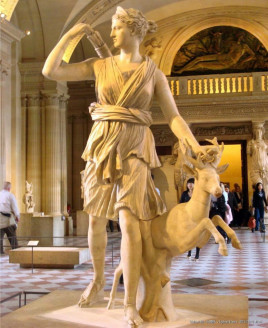 狄安娜(罗马神话中的月亮与狩猎女神)图片