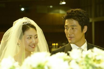2004年11月池珍熙与李秀妍结婚