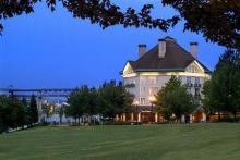 河畔酒店 - 金普顿酒店