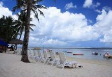 宁静完美的白沙滩