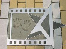 袁和平在香港星光大道的手印及签名