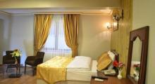 卡迪加古董酒店