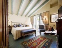 阿尔吉拉奥提伽古城迷人酒店