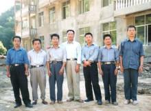 正山茶业精制厂房初建时骨干员工合影