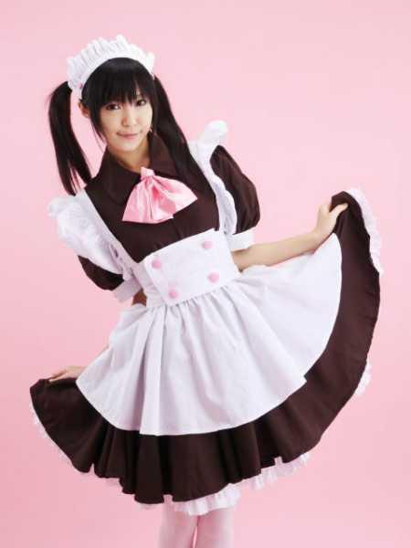 女仆装(女仆服)是指女仆(maid)的工作装,通常也指仿照这种工作装而