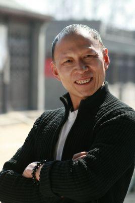 1996年,三十岁的李明考进北京电影学院表演系进修班,和赵薇,陈坤图片