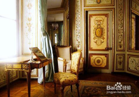 在哥特式风格家居中,柱子不再只是简单的圆形了,通过多个柱子的结合图片