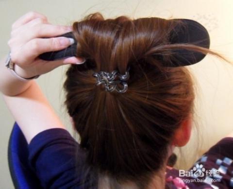 盘高头发的方法图解_美发图片