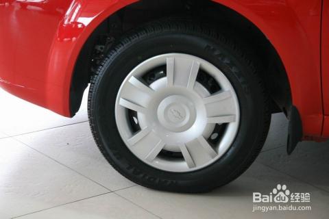 怎样目测汽车轮胎气压是否在安全范围内图片