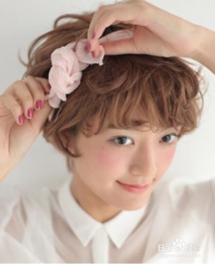 短发丝巾扎发 ,清新又可爱图片