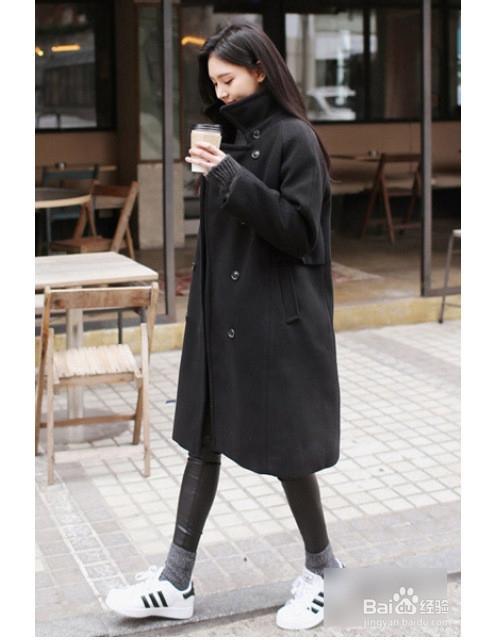大衣混搭运动鞋确保零失误图片