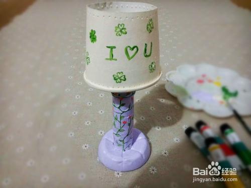旧物改造-利用矿泉水瓶奶茶杯制作浪漫烛台图片