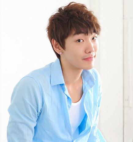 韩式男生短发发型,韩式短发发型男,韩式潮男发型 - 七丽女性网图片