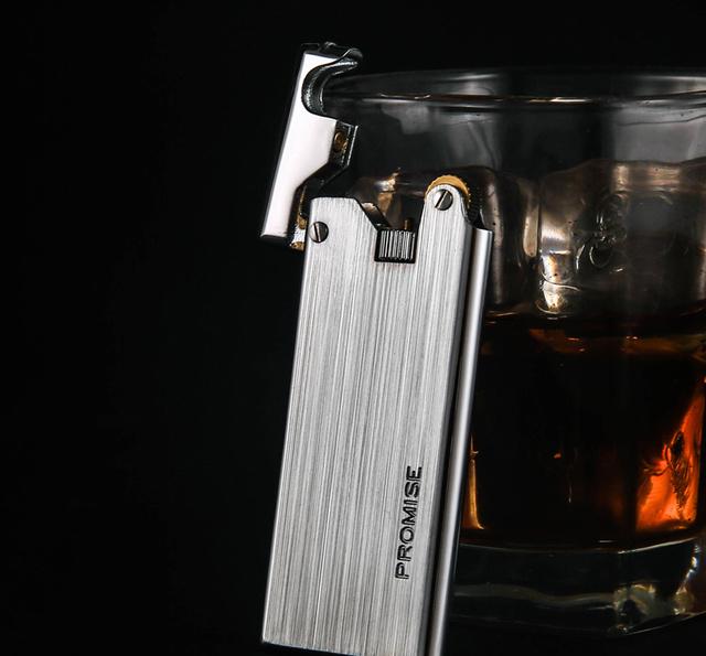 老式打火机已过时?二十岁男人用这几款打火机,点烟帅气还有面子图片