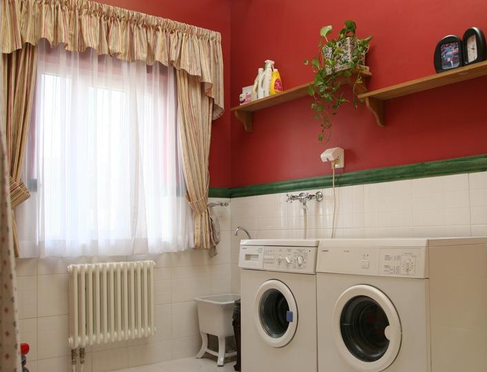 110平方米三房二厅美式风格大户型家居卫生间浴室柜灯具装修效果图图片