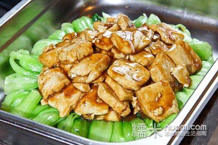 烧烤区:肥牛,五花肉,培根,大虾,鱿鱼,鲳鱼,香菇,杏鲍菇,鸡翅根,小鸡腿图片
