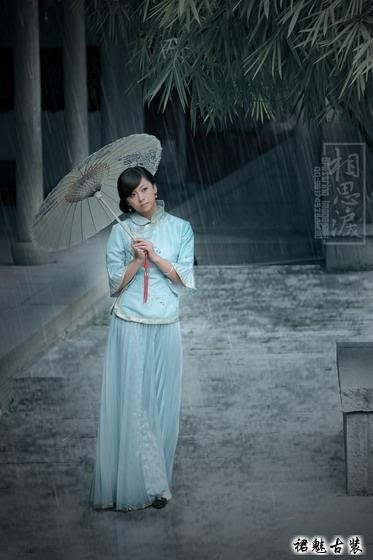 古装美女之雨中佳丽 凤仙装