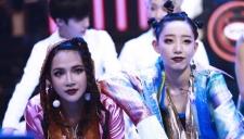 李斯丹妮 & 艾菲 - play 女王范霸气十足 嗨翻全场