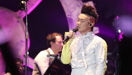 陈奕迅第一次在美国开演唱会,一开口全场沸腾
