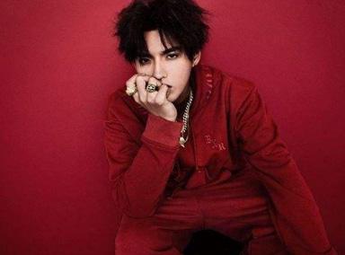 全球首秀! 吴亦凡表演最新单曲《天地》