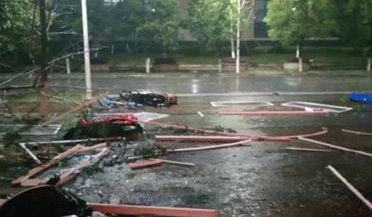 桂林遭17级极端大风侵袭