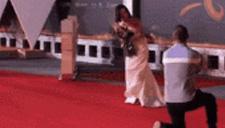 王珞丹红毯遭粉丝求婚