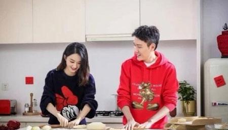 赵丽颖与冯绍峰包饺子
