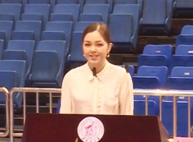 乌克兰美女留学生毕业典礼秀中文