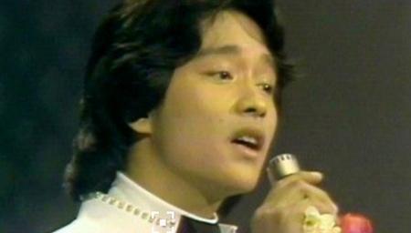 【青涩模样】1977年21岁的张国荣载歌载舞
