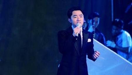 王祖蓝版《浮夸》,秒杀级的现场翻唱。