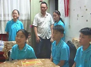 安徽5胞胎被分到5个班