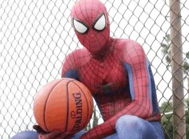 蜘蛛侠变身灌篮高手 街头虐爆所有对手
