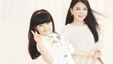 李湘女儿的压岁钱够买房子?仍敌不过王艳的儿子