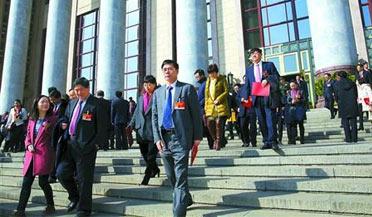 上海代表团共提出议案33件