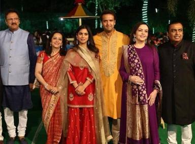 印度首富嫁女吸引众多大咖