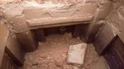挖机无意间挖开墓穴,打开里面寒酸无比,墓志铭却揭露一传奇人物