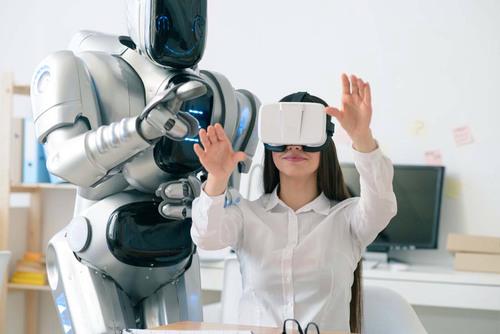 机器与人对话 你还分的清哪个是人哪个是机器人吗?