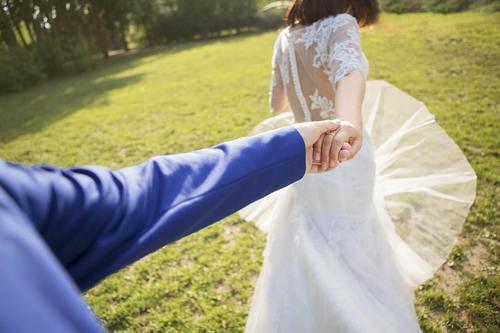"""夫妻之间不知怎么买保险?这不,""""爱情险""""出现了!"""