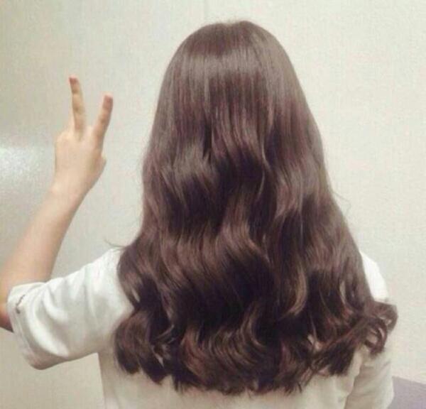 女生头发多长好看.这么长好看吗.图片