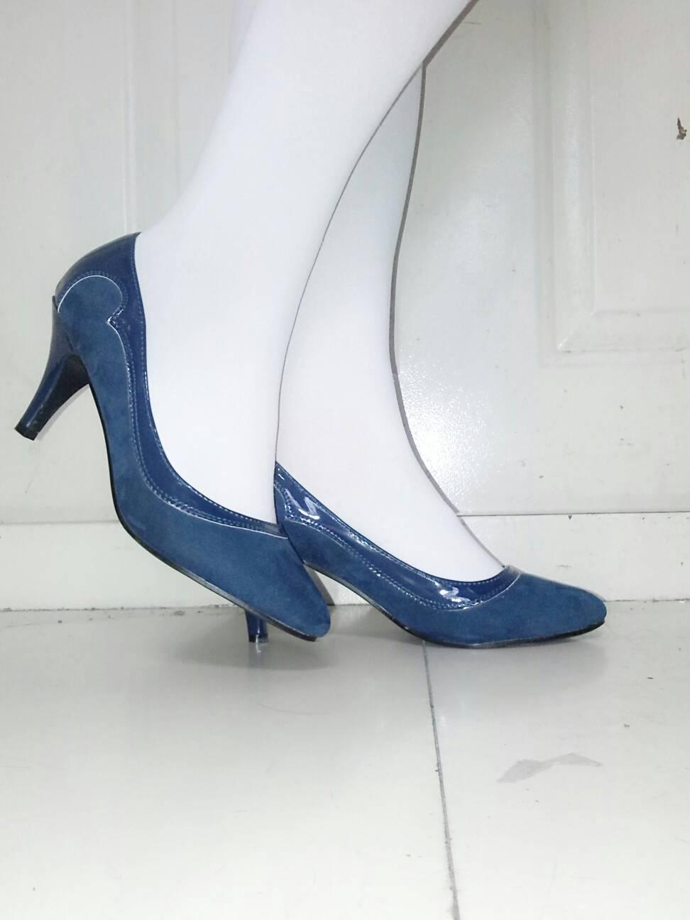裸色高跟鞋配什么颜色的丝袜好看图片