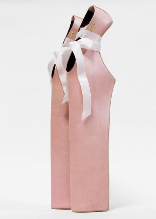 高跟鞋跟高30厘米 世界上最高的高跟鞋 最漂亮的高跟鞋视频 高跟鞋跟
