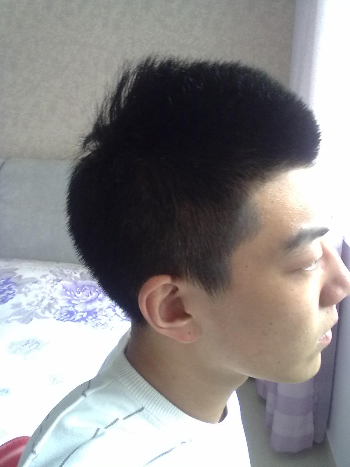 头发两边推平,上面留长的这种什么发型好,求图片图片
