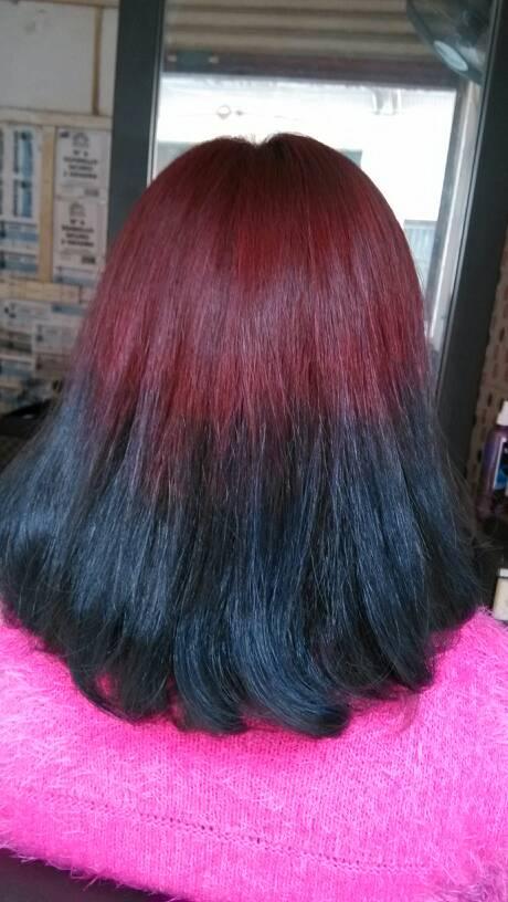 这样的头发能不能把下面的色漂掉留上面的红色还是要漂全头那个发型师图片