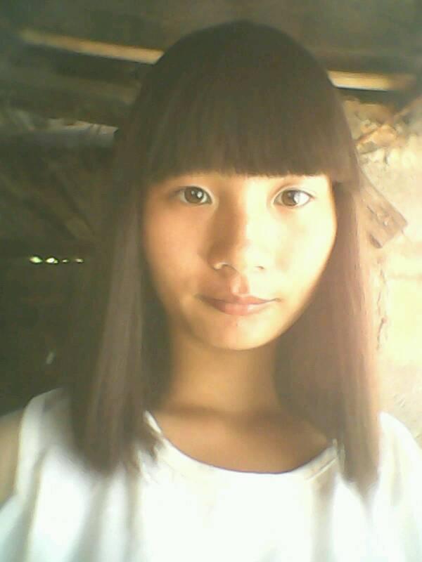女生留长头发好看还是短头发好看呢图片