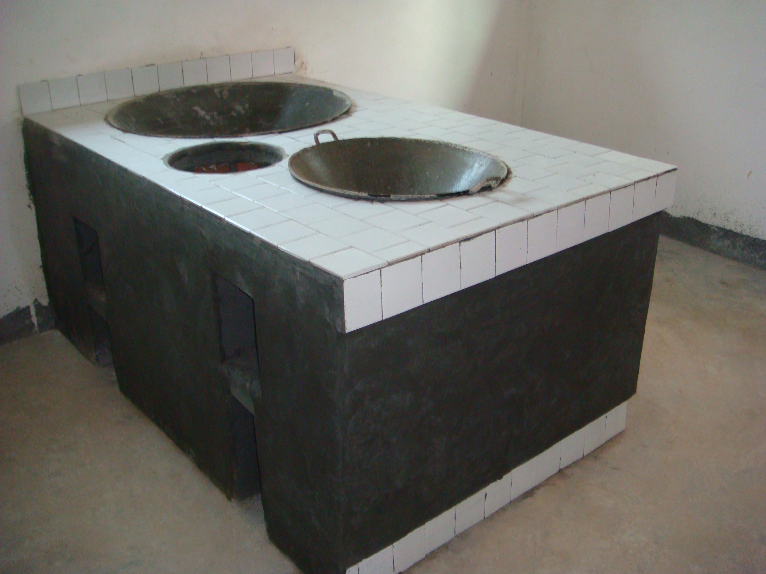 厨房屋宽度3米左右,进深8米左右,求农村家用柴灶图一份图片