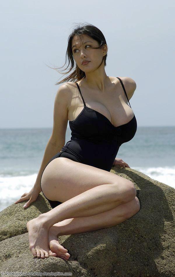 这个泳装美女是谁? 百度知道