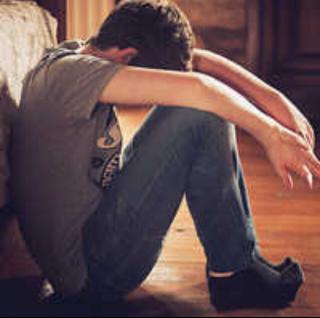 男生孤独伤感背影