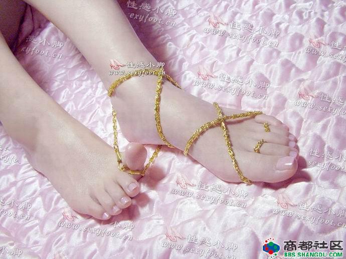 怎么让我的脚变成女孩的脚