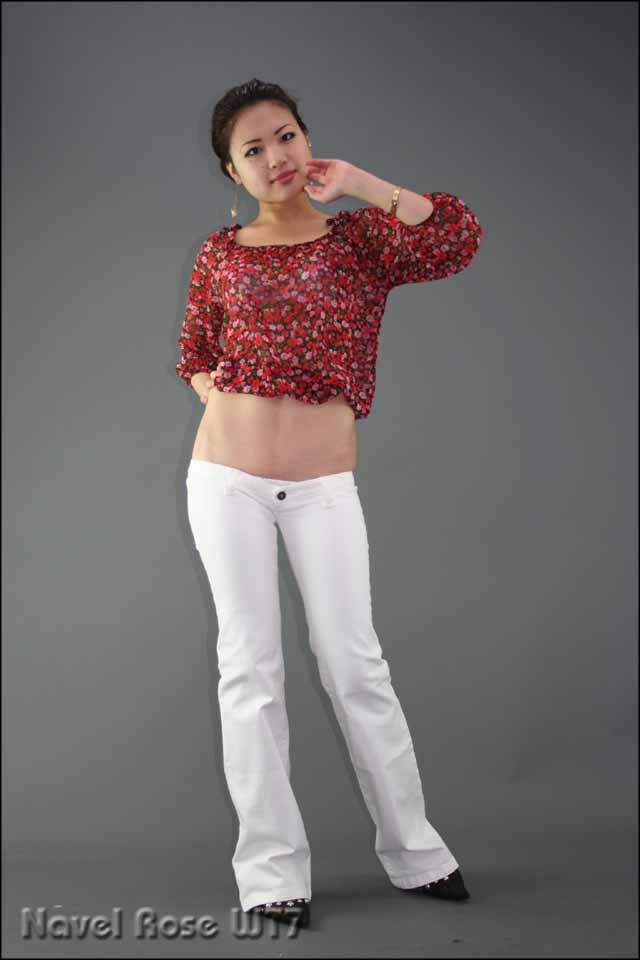 低腰裤落毛美女图片