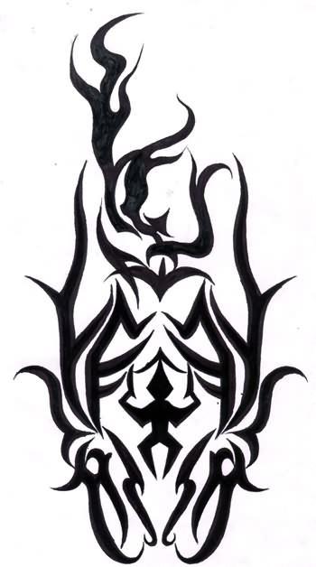 谁知道古惑仔山鸡臂膀上的纹身图案是什么?图片